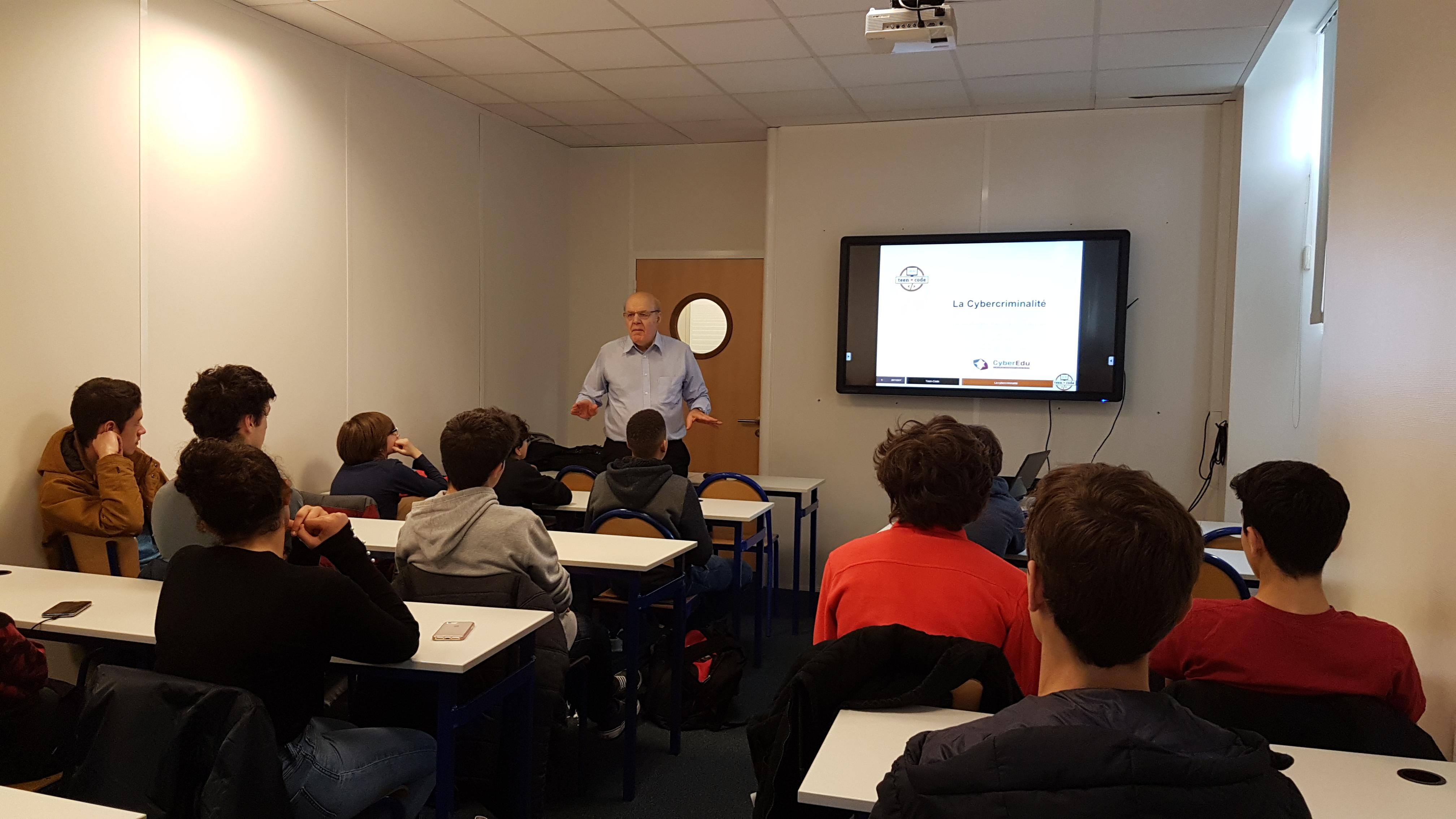 Gérard Péliks, président de l'association CyberEdu - Atelier Cybercriminalité Teen-Code